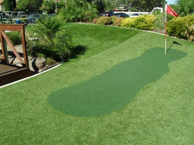 Install a Personal Putting Green in Your Backyard - Termiturf